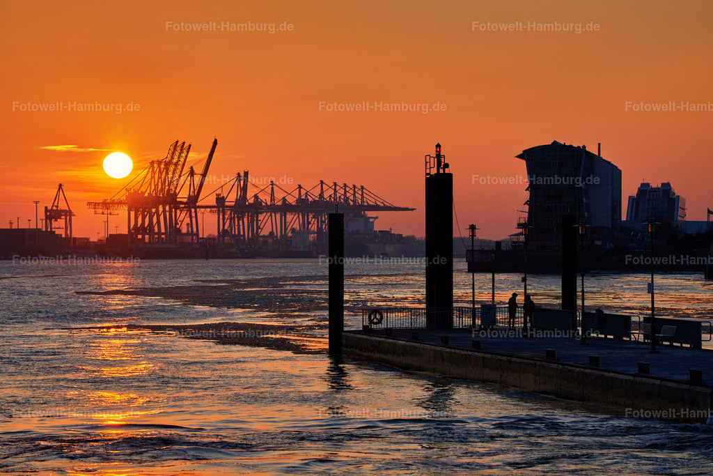 11982608 - Sonnenuntergang hinter dem Hamburger Hafen