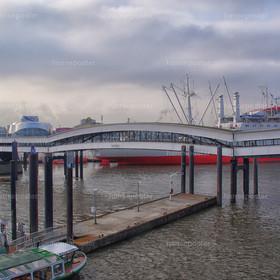 Die Überseebrücke Hamburg