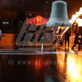20161230_AF_1DX_9243_edit | Auflauf und Teamvorstellung,EHC Red Bull Muenchen vs. Eisbaeren Berlin, Eishockey, DEL, 30.12.2016