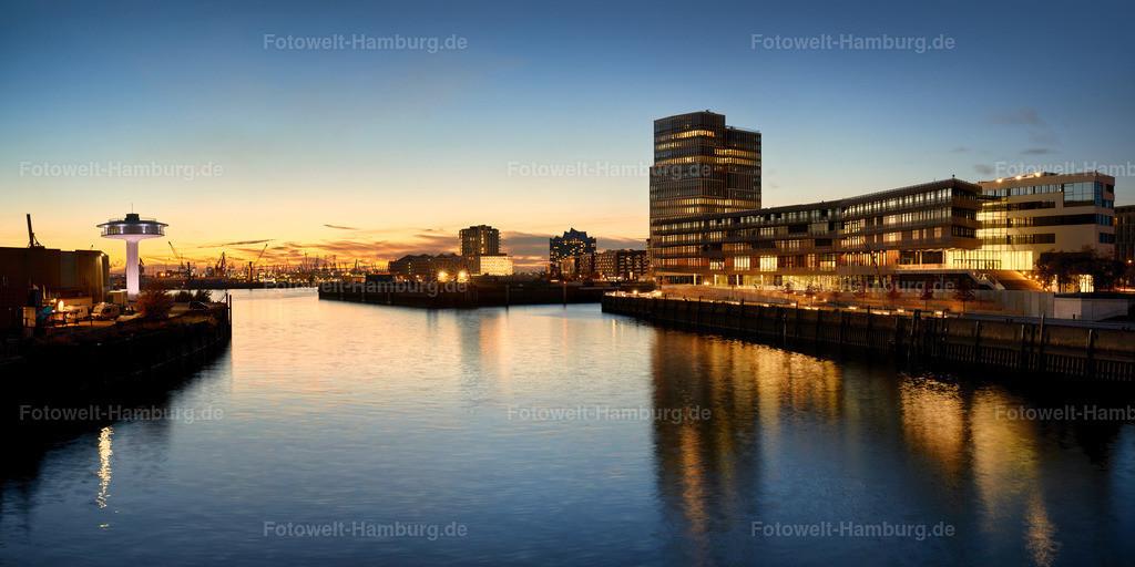 10190511 - Baakenhafen zur blauen Stunde | Blick über den Baakenhafen auf die Elbphilharmonie, die Hafencity Unitversität und Lighthouse Zero.