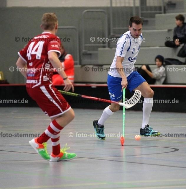 Foto: Michael Stemmer   © Michael Stemmer Floorball, Pokal, 4. Runde , Männer Datum: 10.12.2017 Blau-Weiß 96 Schenefeld – UHC Sparkasse Weißenfels  Sascha Czapelka   (BW 96)