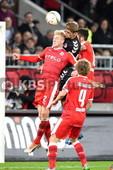 KBS Picture_FCStPauli-Duesseldorf_20 | v.l. Koch Julian (Duesseldorf) gegen Sobiech Lasse (St.Pauli) und Demirbay Kerem (Duesseldorf) vorne Schauerte Julian (Duesseldorf) , 2. Fußball Bundesliga ,  DFL , DFB  14.Spieltag  2015/16 , FC St. Pauli   vs.   Fortuna Duesseldorf , Spielort:  Millerntor ,  Copyright by © KBS-Picture ,   Postfach 1310 ,   25454 Rellingen ,       Mobil  0172 – 977 49 83 ,    Mail:  foto@kbs-picture.de , Verwendung für Werbezwecke und Weitergabe an Dritte untersagt.   KBS Picture kann keine Schadenersatzforderungen übernehmen,  die aus der Veröffentlichung dieses Bildes entstehen könnten.   Der Abdruck dieses Bildes ist honorarpflichtig. Fotohonorar + 19% Mwst. , Fotofreigabe auch für Onlinezwecke , Meincke Kalle ,   KBS-Picture