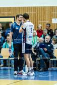 2016_048_BLM_Netzhoppers-Lüneburg | Halbzeitgespräch Lüneburger Trainer Stefan Hübner (SVG Trainer) mit Scott Michael Kevorken (SVG #3)