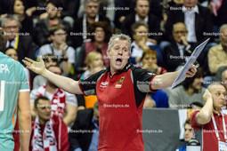 2016_034_OlympiaQualiDeutschland-Polen | Aufregung bei deutschem Trainer HEYNEN Vital (head coach Deutschland)