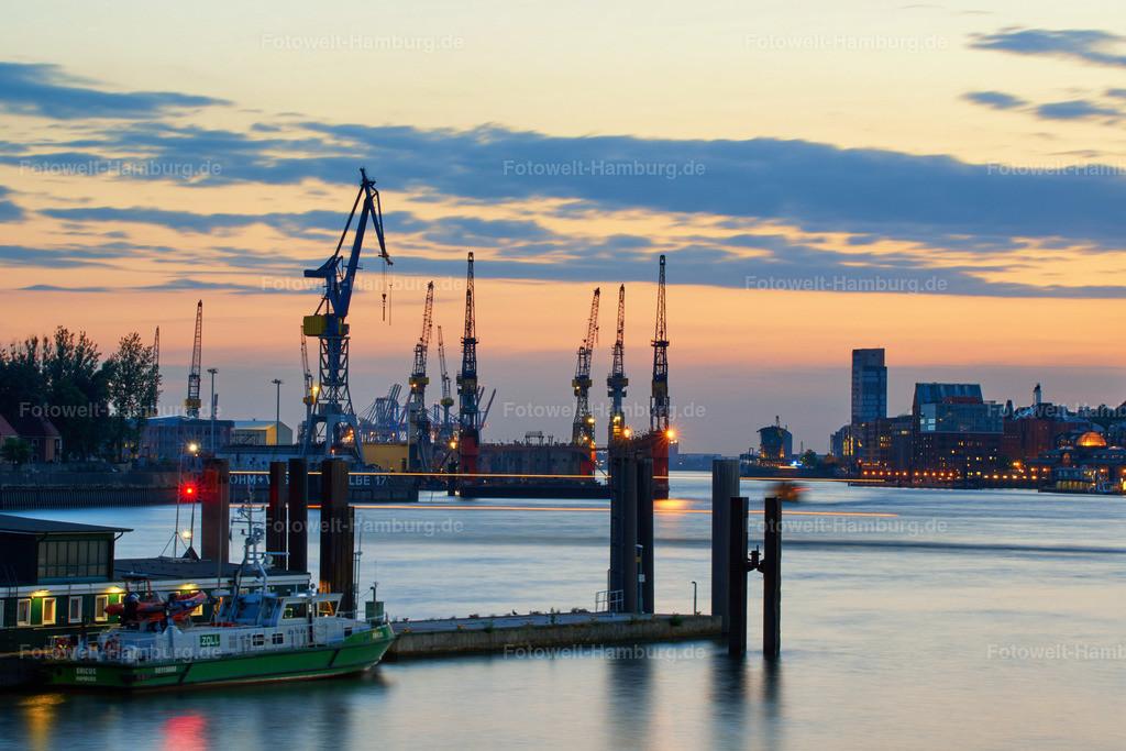 12003289 - Hamburger Hafen am Abend