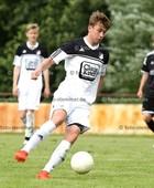 Foto: Michael Stemmer | © Michael Stemmer Fußball Bezirksliga West- Saison 2016- 2017 Datum: 7.8.2016 Spiel: TSV Seestermüher Marsch gegen TSV Sparrieshoop- (weiß) Jonas Matern (TSV Sparrieshoop)
