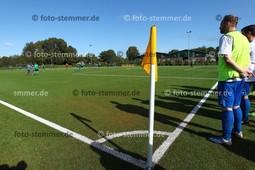Foto: Michael Stemmer   © Michael Stemmer Datum: 3.10.2017 Fußball, Pokal Tangstedter SV – Wedeler TSV Kunstrasen, Kunstrasenplatz   (Tangstedter SV) gegen   ( Wedeler TSV )