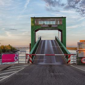 Brücke Elbfähre Wischhafen