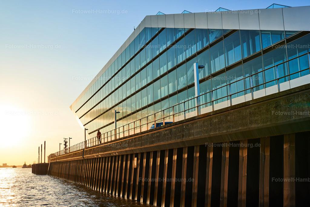 10190917 - Dockland im Abendlicht | Das Dockland im stimmungsvollen Abendlicht.