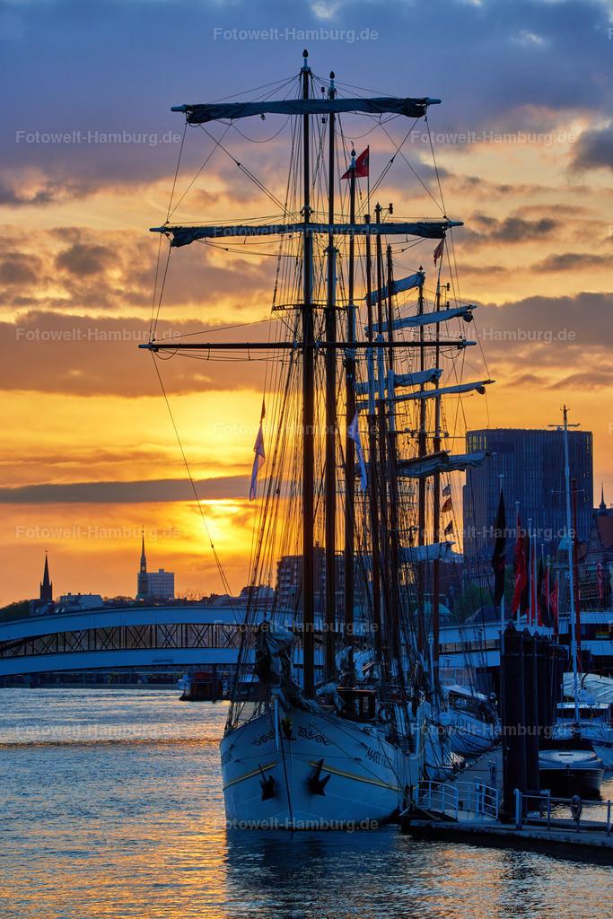 11986812 - Sonnenuntergang am Niederhafen