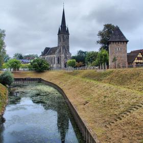 St. Sturmius-Kirche mit Stadt Rinteln HDR