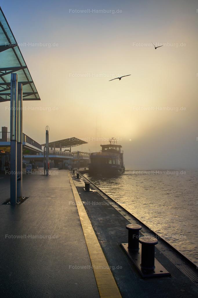 11944967 - Morgenstimmung an den Landungsbrücken II