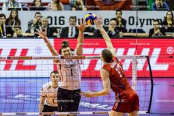 2016_050_OlympiaQualiDeutschland-Russland | Angriff MIKHAILOV Maxim (#17 Russland) gegen FROMM Christian (#1 Deutschland)