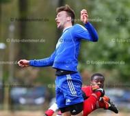 Foto: Michael Stemmer | © Michael Stemmer Fußball, Oberliga- Hamburg, Saison 2016- 2017 Datum: 23.4.2017 Spiel: VFL Pinneberg gegen Altona 93 Lennart Dora   (VFL Pinneberg)