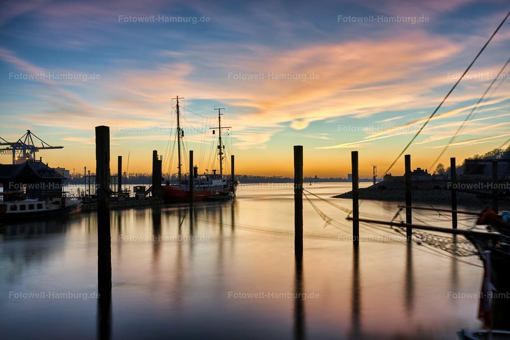 10190616 - Am Museumshafen | Sonnenuntergang im Museumshafen Övelgönne