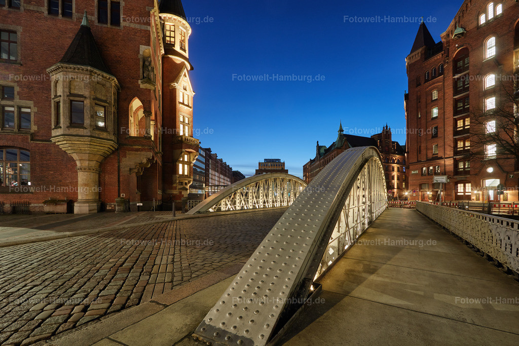 11921791 - Abend an der Neuerwegsbrücke