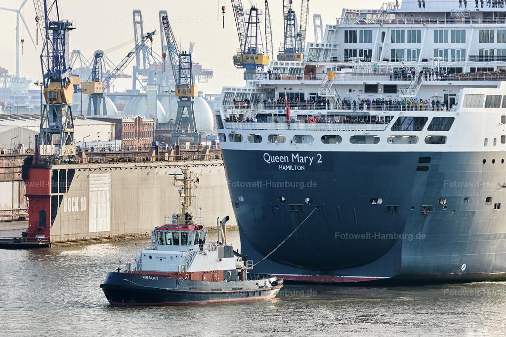 11786132 - Queen Mary 2 Detail mit Schlepper