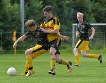 SV Werdum - TuS Weene II, 11.09.2016 | Fußball, Ostfrieslandklasse B, Staffel 4, Saison 2016/2017, 6. Spieltag, SV Werdum (gelb) - TuS Weene II (schwarz)