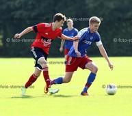 Foto: Michael Stemmer | © Michael Stemmer Fußball Bezirksliga West- Saison 2017- 2018 Datum: 10.9.2017 Spiel: Kummerfelder SV gegen SVHR 2 Marcel Braun   (KSV) gegen Marcel Böhm  (SVHR2)