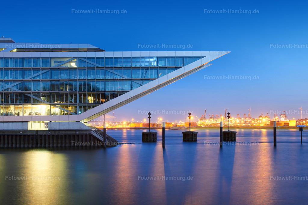 11489175 - Blaue Stunde am Dockland