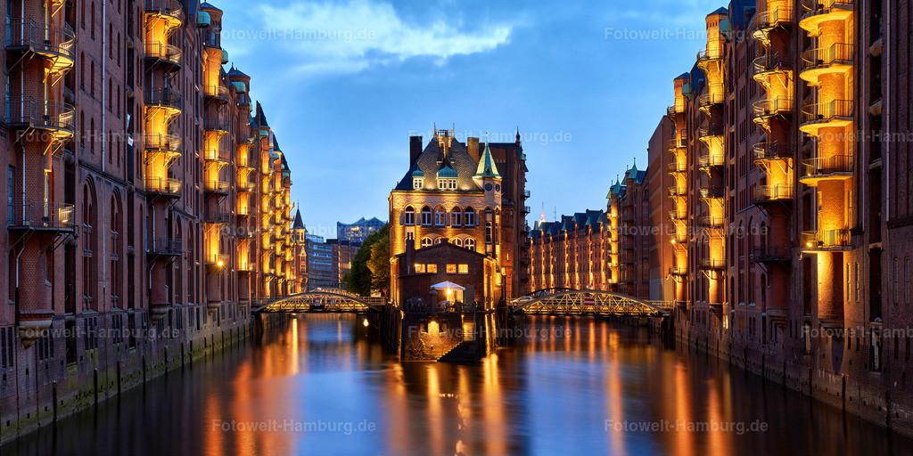 11979748 - Wasserschloss bei Nacht