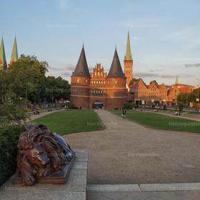 Löwe mit Lübeckertor