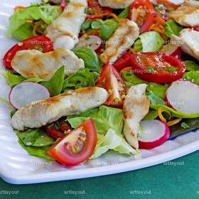 salat mit gegrillten Hähnchenstreifen | Sommersalat mit gegrillten Hähnchenstreifen