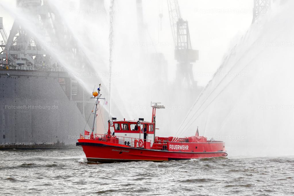 11499157 - Feuerwehrboot beim Hafengeburtstag