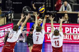 2016_020_OlympiaQualiSuP3_Deutschland-Polen | Angriff GROZER György Gyoergy (#9 Deutschland) gegen Block MIKA Mateusz (#20 Polen), KLOS Karol (#7 Polen) und LOMACZ Grzegorz (#12 Polen)