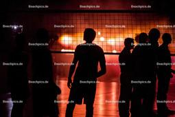 2016_021_BLM_BRVolleys-Netzhoppers | Einlauf der Mannschaften in der Max-Schmeling-Halle