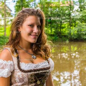 Laura_Dirndl-019