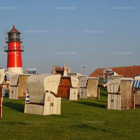 Leuchtturm Büsum mit Strandkörbe querformat