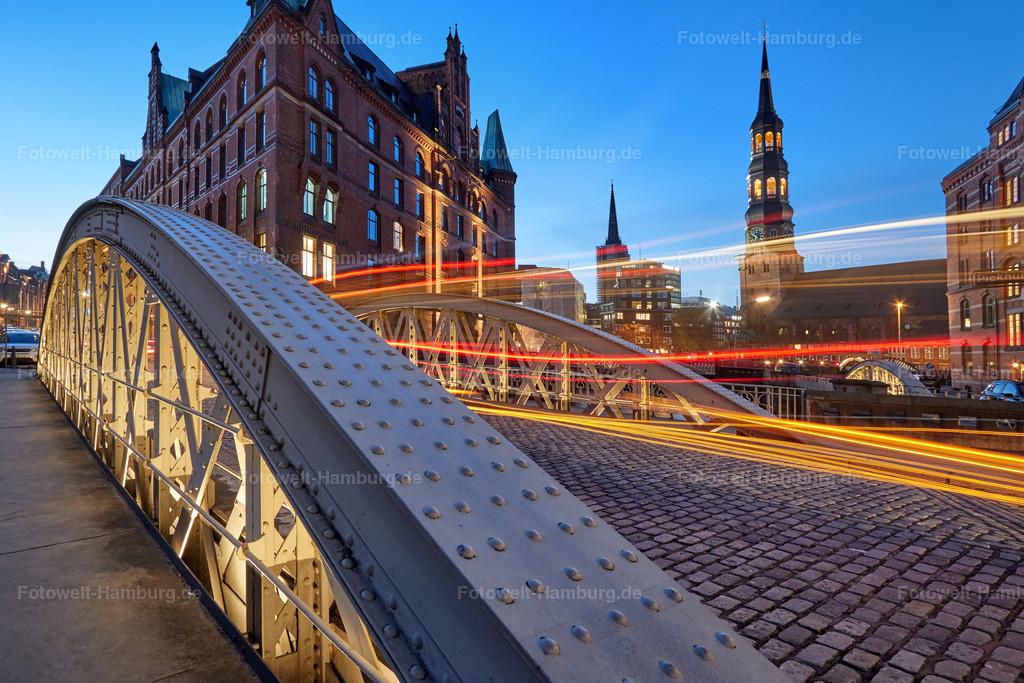11890855 - Hamburg City Lights IV