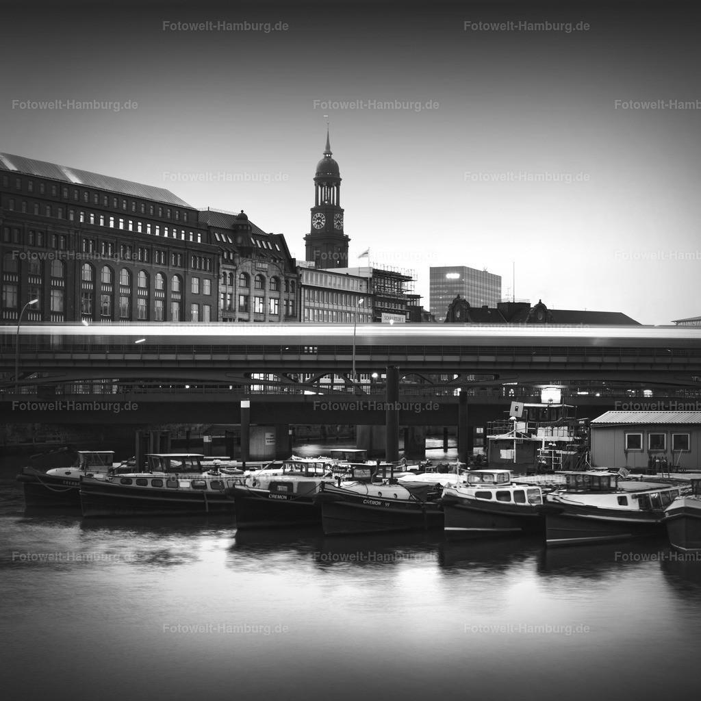 11291190 - Michel und Hafen
