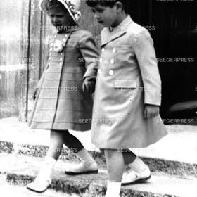England, Grossbritannien, Prinz Charles, FŸrst von Wales mit seiner Schwester Prinzessin Anne von Gro§britannien, Retro