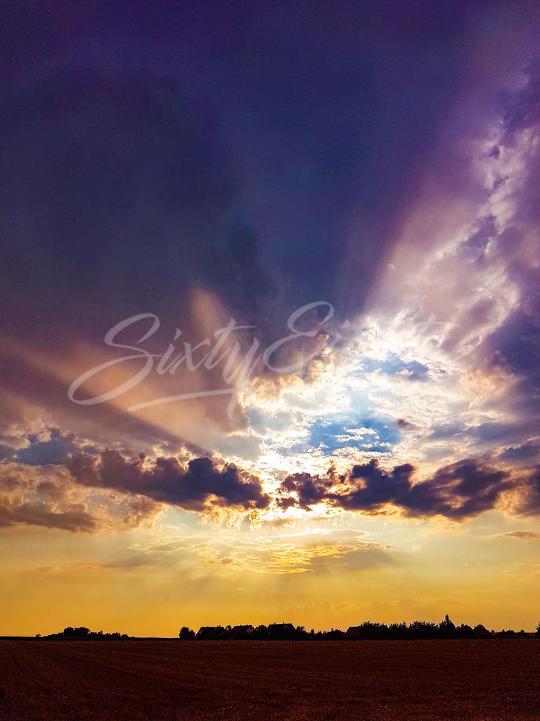Sommergewitter | Kurz nach einem Gewitter riecht die Luft sauber und rein. Die Natur fühlt sich an wie frisch geboren. So ein Gewitter hat etwas reinigendes und die abziehenden Wolkentürme verlassen den Ort des Geschehens, als wäre nicht gewesen.