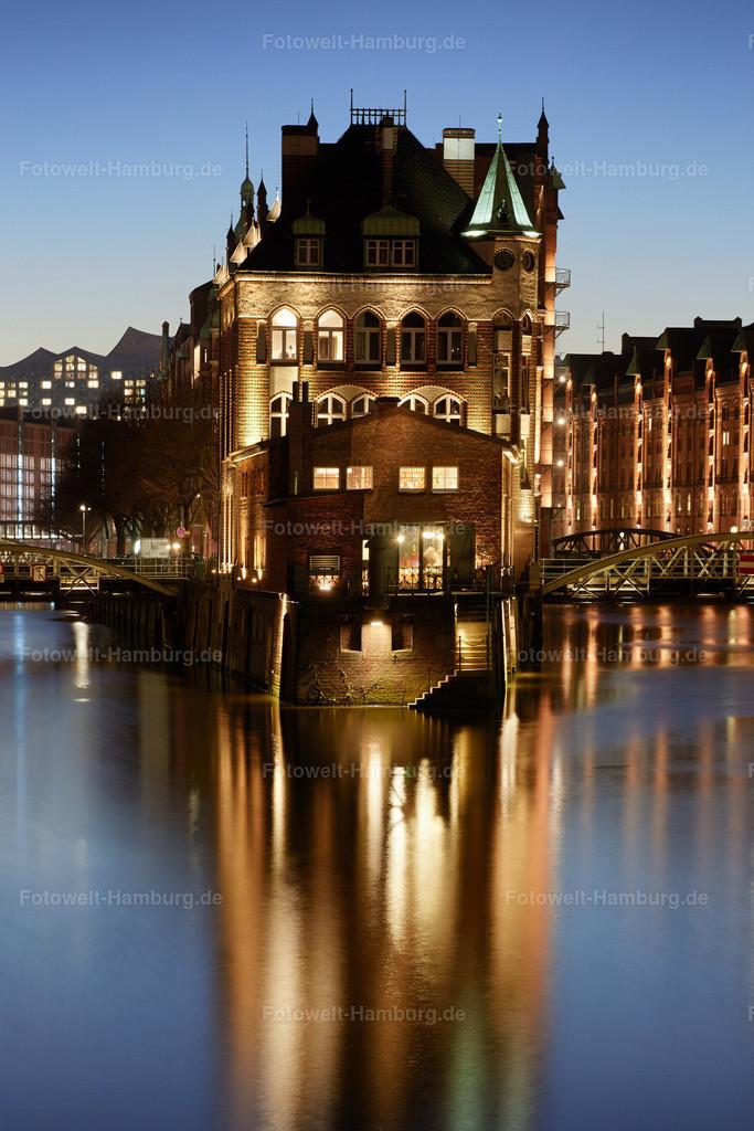 11874804 - Blaue Stunde am Wasserschloss
