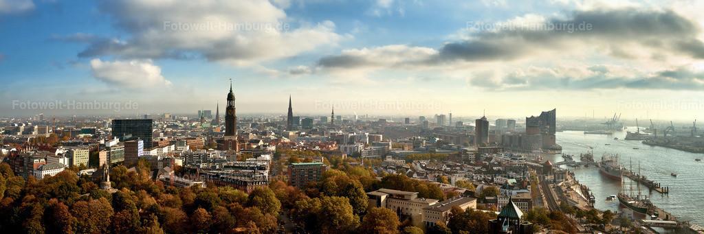 12014657 - Hamburg Sightseeing Panorama | Weiter Panoramablick von der Alster über den Michel bis zur Elbphilharmonie und den Hamburger Hafen.