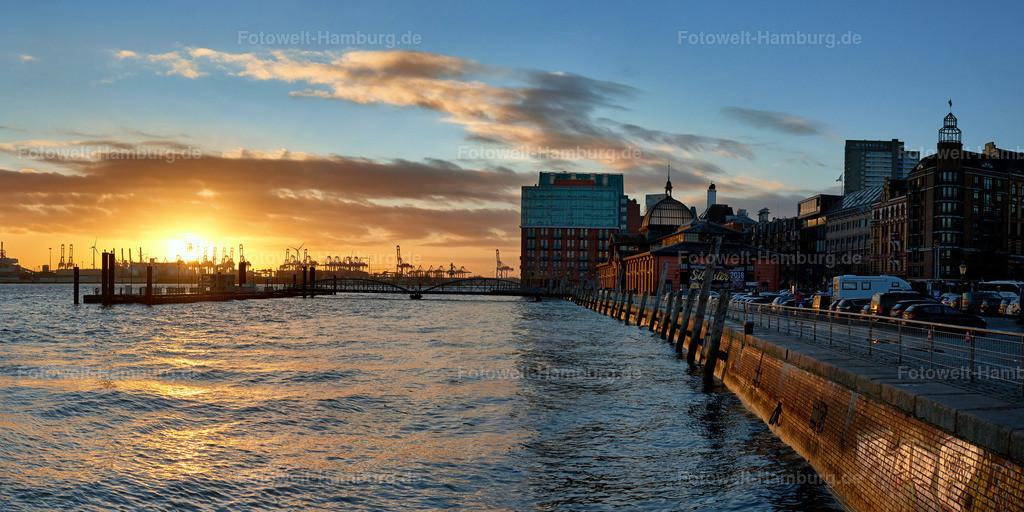 10190811 - Sonnenuntergang in Altona | Abendstimmung an der Fischauktionshalle am Hamburger Hafen.