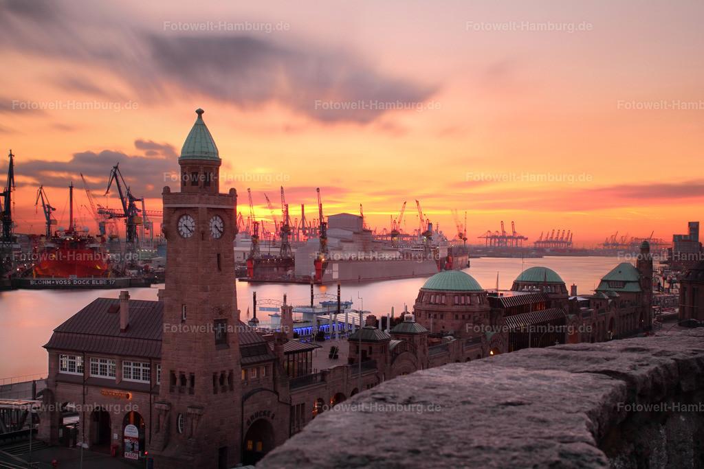 11104089 - Sonnenuntergang an den Landungsbrücken