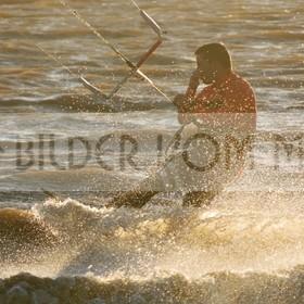 Kitesurfen Bilder am Mar Menor | Kite Surfer bei Sonnenuntergang