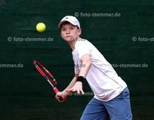 Foto: Michael Stemmer | © Michael Stemmer Tennis-Herren (Verbandsliga) Datum: 21.5.2016 Tennis Debüt: Jarne Münster (12)  (LTC Elmshorn)