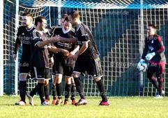 Foto: Michael Stemmer | © Michael Stemmer Fußball Bezirksliga West- Saison 2015- 2016 Datum: 28.2.2016 Spiel: FC Union Tornesch –  Seestermüher Marsch  Jubel nach dem 3:4 (TSV Seestermüher Marsch)