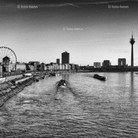 Der Rhein mit Skyline von Düsseldorf