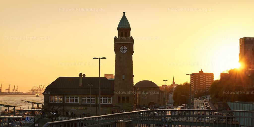 10150401 - Goldenes Licht an den Landungsbrücken