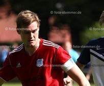 Foto: Michael Stemmer | © Michael Stemmer Fußball Bezirksliga West- Saison 2017- 2018 Datum: 30.7.2017 Spiel: SSV Rantzau- (rot) gegen SV Nienstedten  Till Flemming Bruns   (SSV Rantzau)