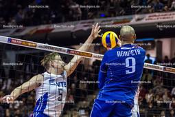 2016_193_OlympiaQuali_Finale_Frankreich-Russland | Netzduell mit Angreifer NGAPETH Earvin (#9 Frankreich) und GRANKIN Sergey (#5 Russland)