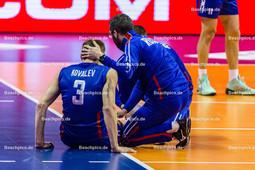2016_017_OlympiaQualiRussland-Frankreich   Verletzung bei KOVALEV Dmitry (#3 Russland)