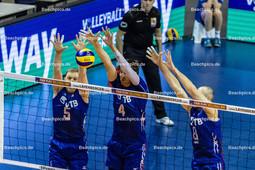 2016_045_OlympiaQualiRussland-Frankreich | russischer Dreierblock mit GRANKIN Sergey (#5 Russland), VOLVICH Artem (#4 Russland) und TETYUKHIN Sergey (c) (#8 Russland)