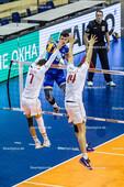 2016_051_OlympiaQualiRussland-Frankreich | Angriff KLIUKA Egor (#19 Russland) gegen TILLIE Kévin (#7 Frankreich) und LE GOFF Nicolas (#14 Frankreich)